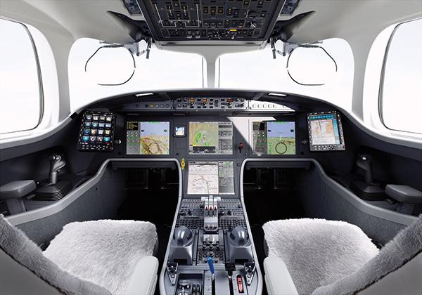 dassault-falcon-8x-cockpit