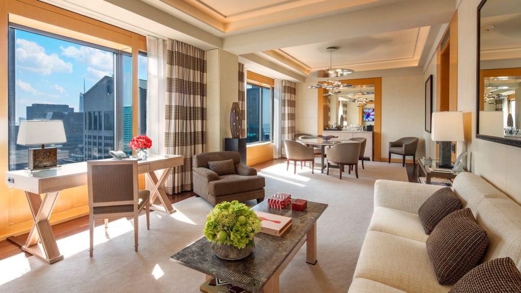 four seasons new york hotel suite