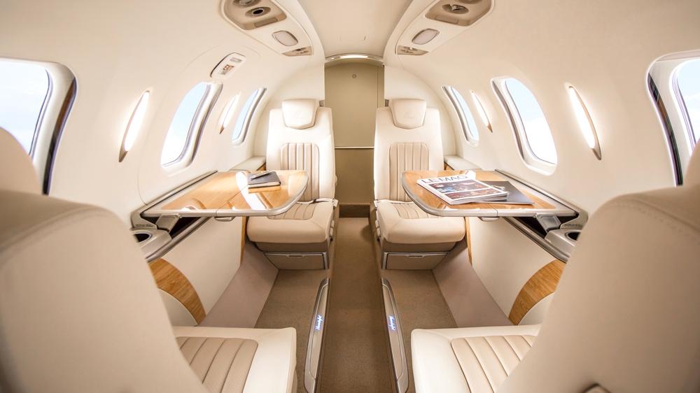 hondajet-elite-business-jet-interior