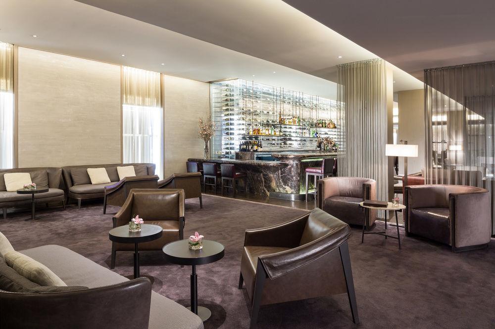 knickerbocker hotel new york lobby